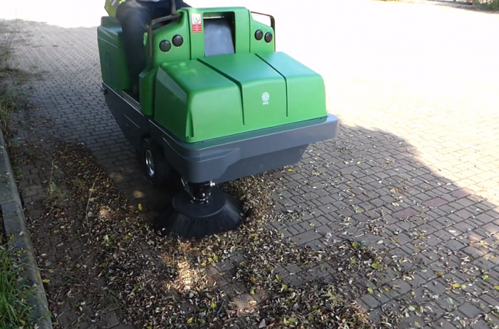 Reasons of using ride-on sweepers